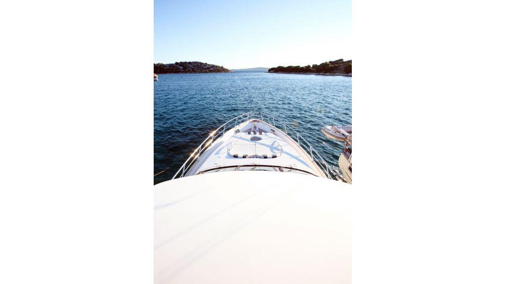 Mira Mare Luxury Motor Yacht (16)
