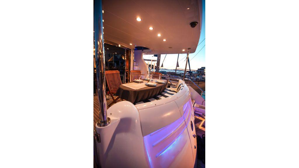Mira Mare Luxury Motor Yacht (17)