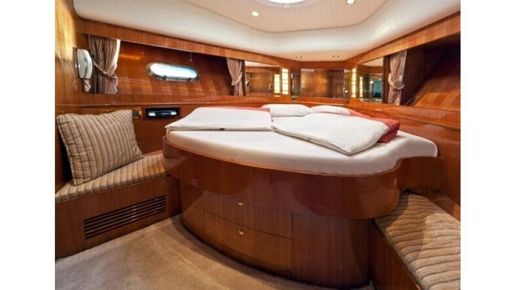 Mira Mare Luxury Motor Yacht (20)