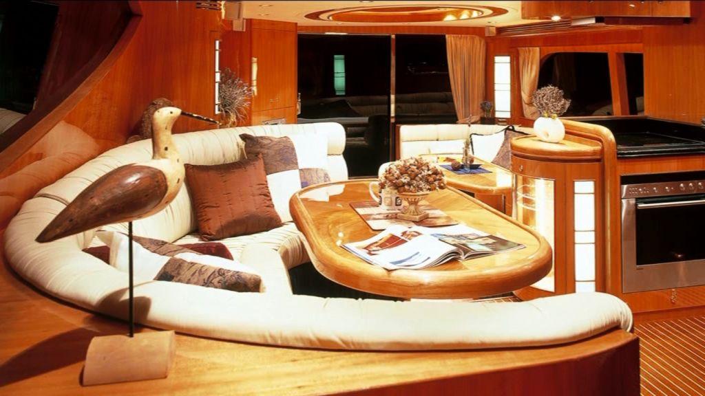 Mira Mare Luxury Motor Yacht (7)