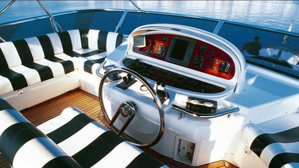 Mira Mare Luxury Motor Yacht (9)