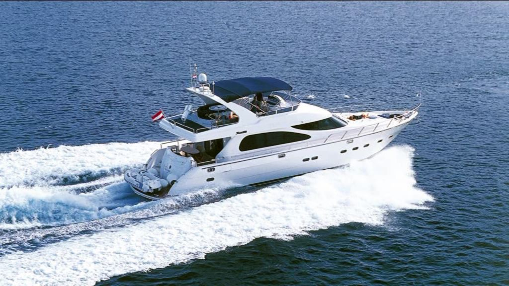 Mira Mare Luxury Motor Yacht master