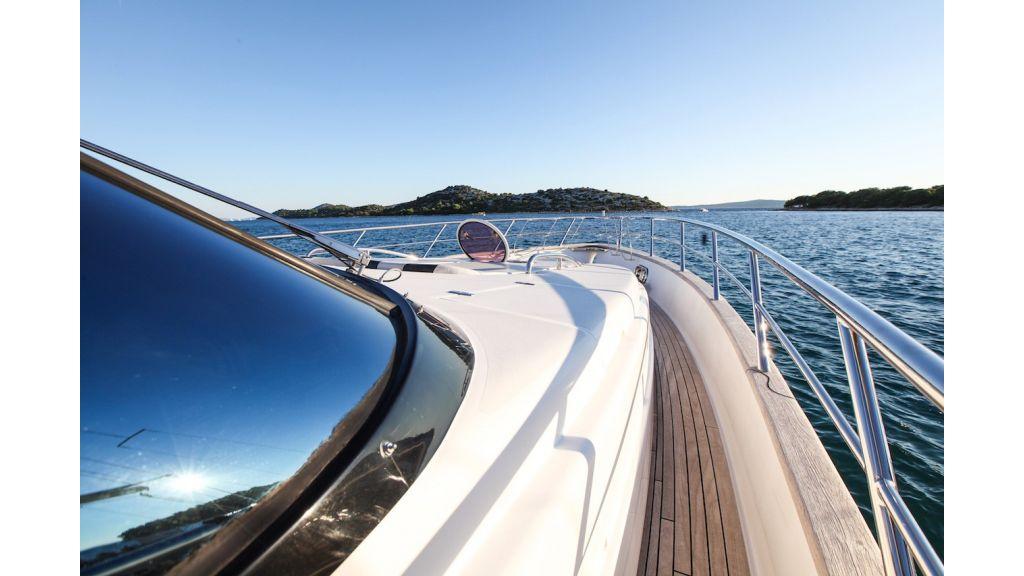 Mira-Mare-Luxury Motor Yacht master
