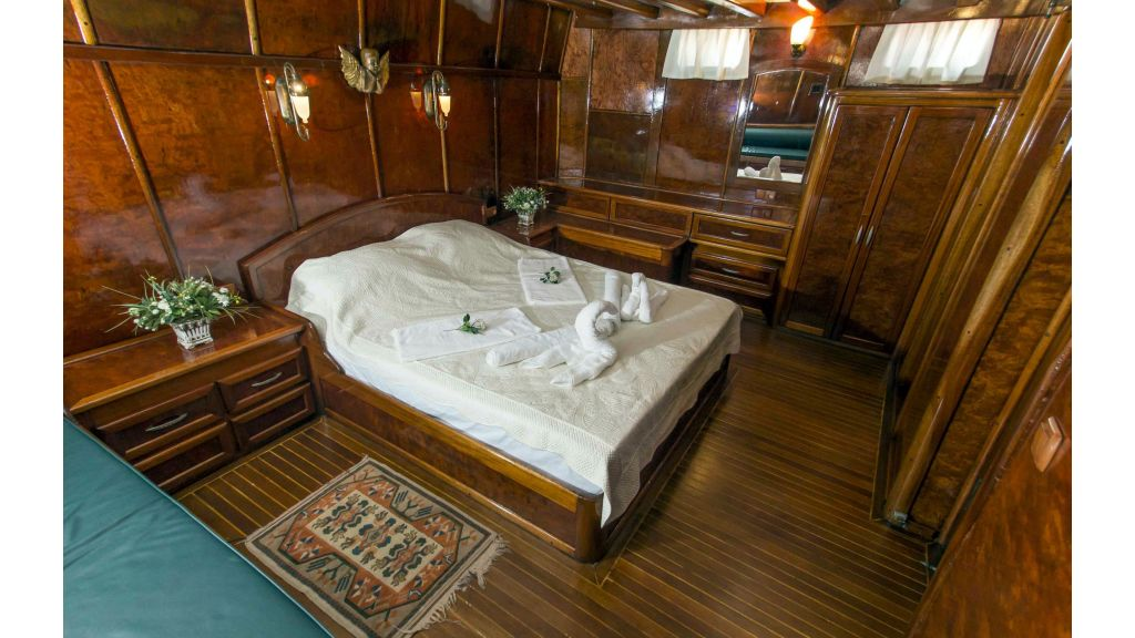 Peri 5 cabins gulet (1)