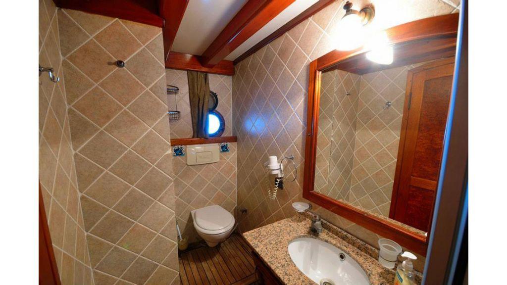 Peri 5 cabins gulet (26)