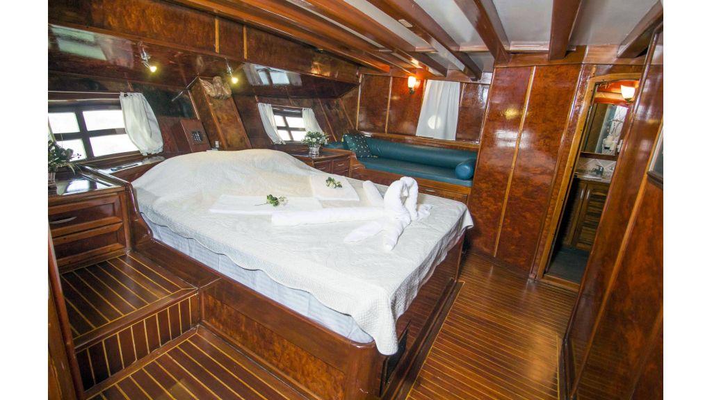 Peri 5-cabins gulet-master.