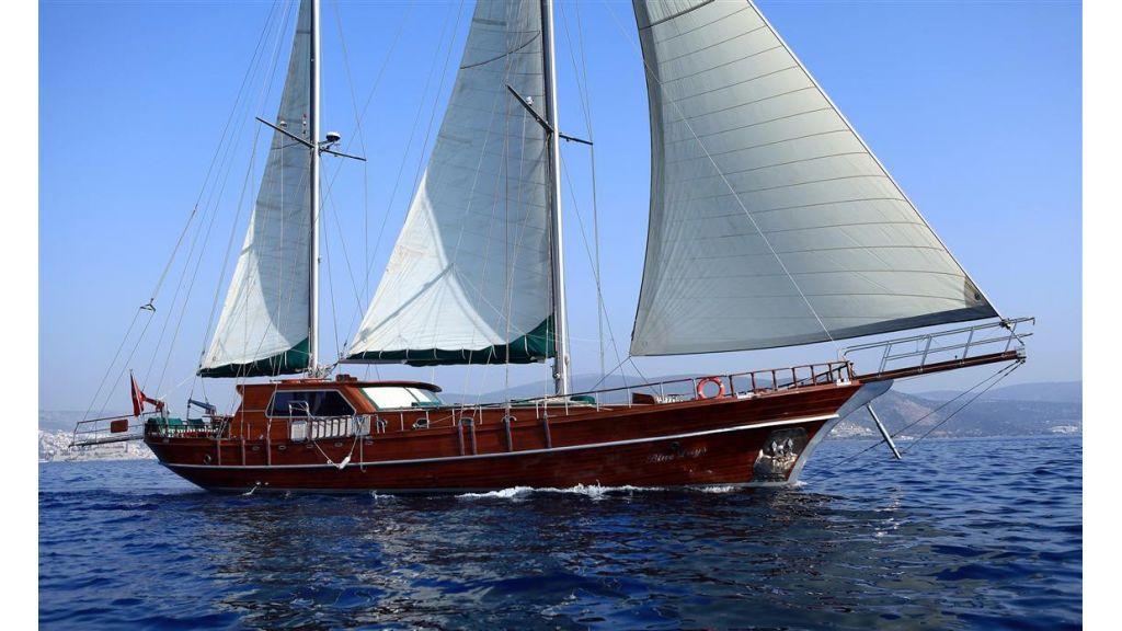 Blue days charter gulet (34)