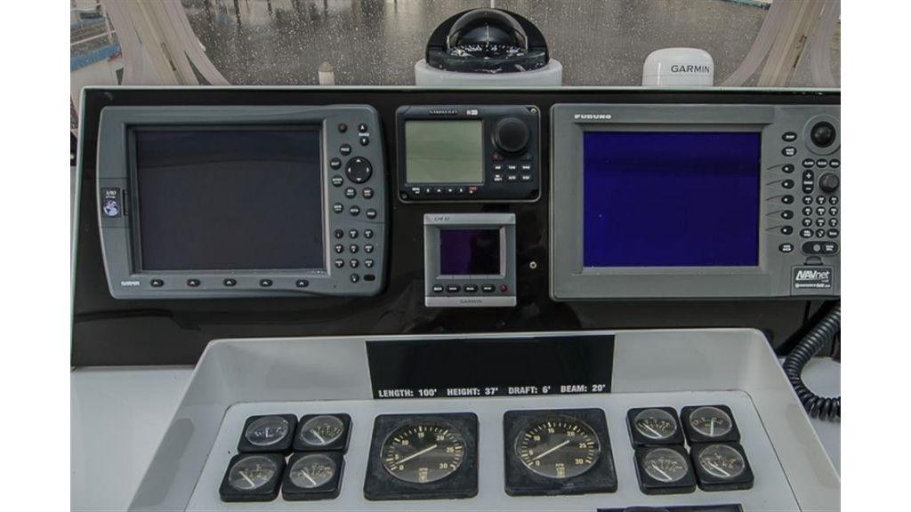 broward Flybridge Helm Electronics