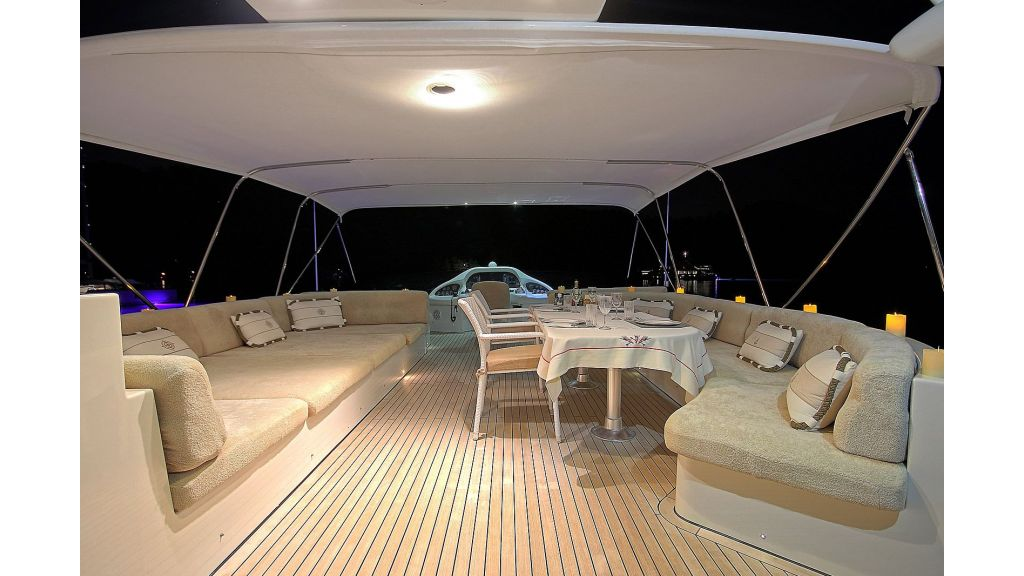 27-m-custom-motor yacht (17)