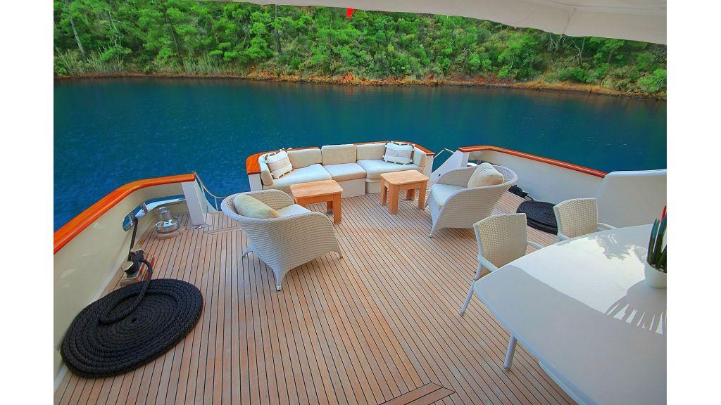 27-m-custom-motor yacht (18)