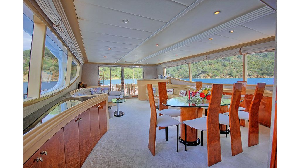 27-m-custom-motor yacht (2)
