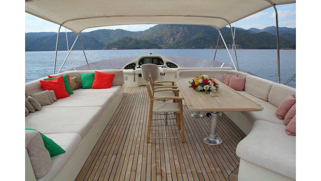 27-m-custom motor yacht master