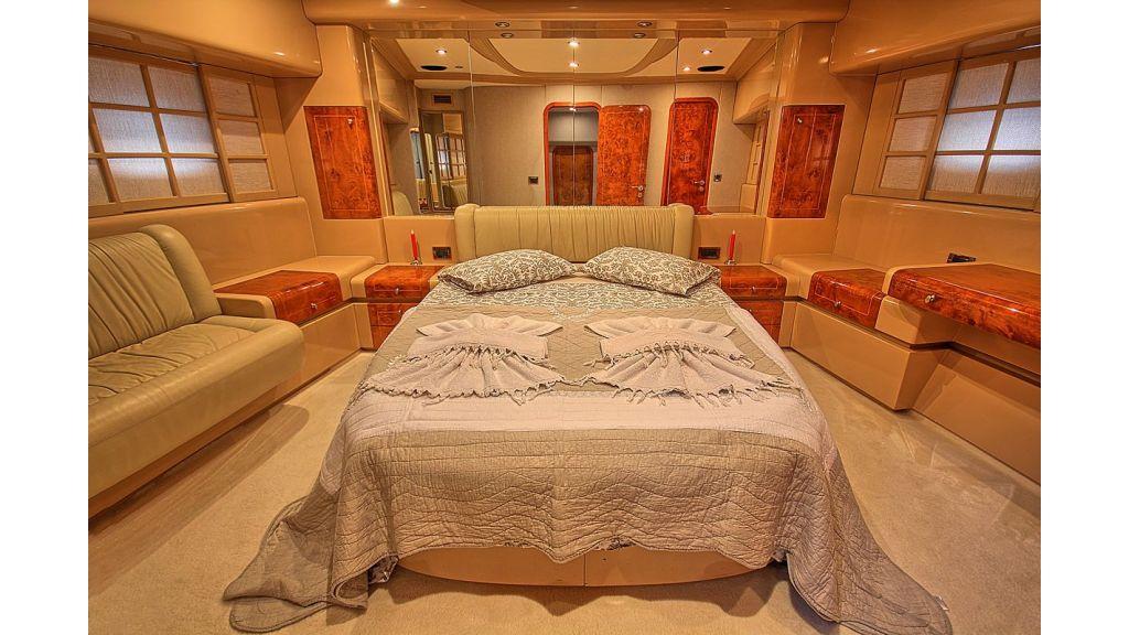 27-m-custom-Motor-yacht master