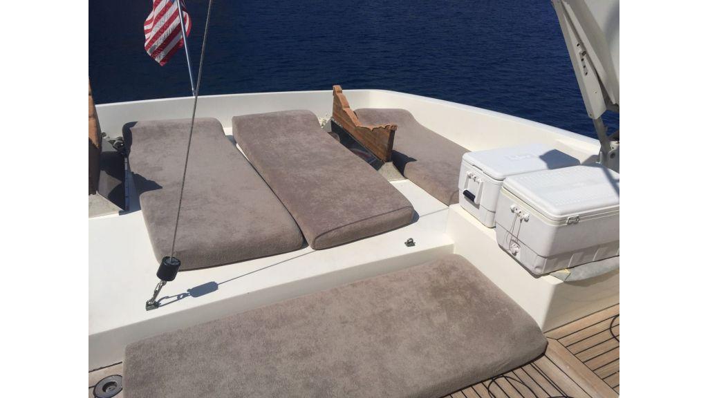 27m-custom-motor-yacht (2)