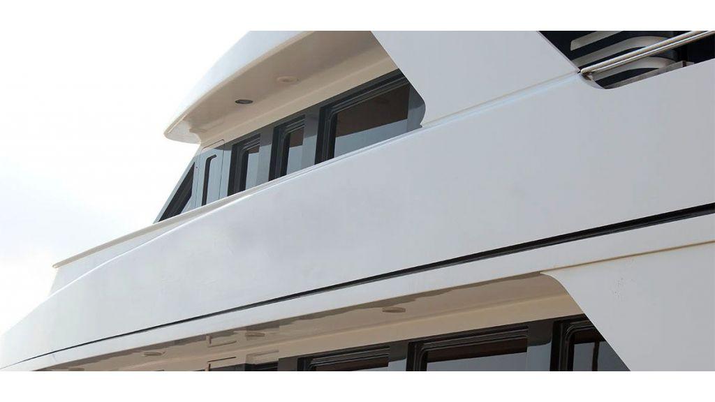 37  M Steel Motor Yacht (1)