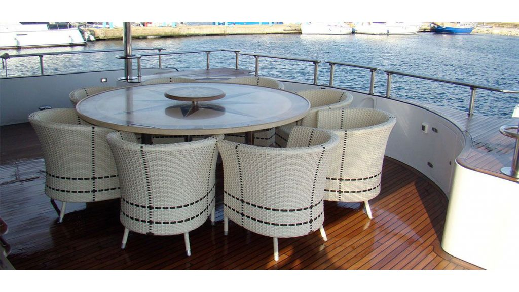37  M Steel Motor Yacht (5)