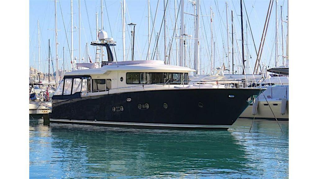 Apreamare Maestro-65 Motor Yacht (2)