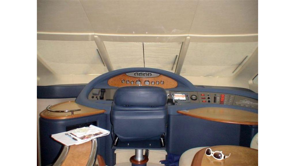 Azimut 62 fly (19)