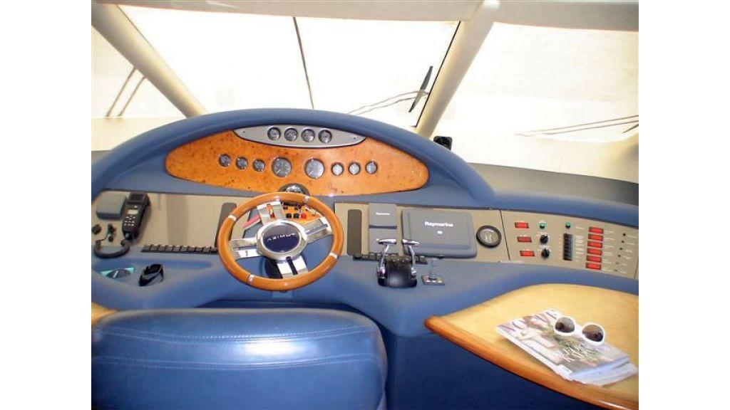 Azimut 62 fly (29)