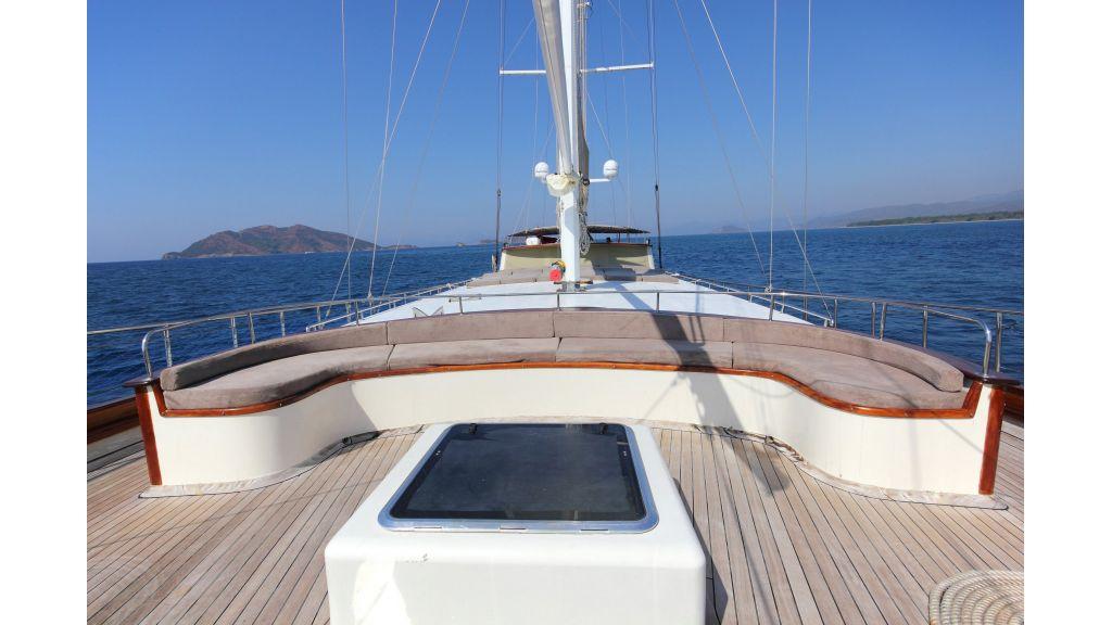 classic-sailing-gulet master.