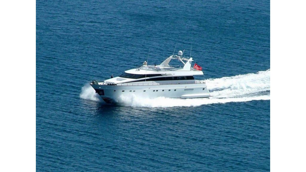 custom-built-motor-yacht (4)