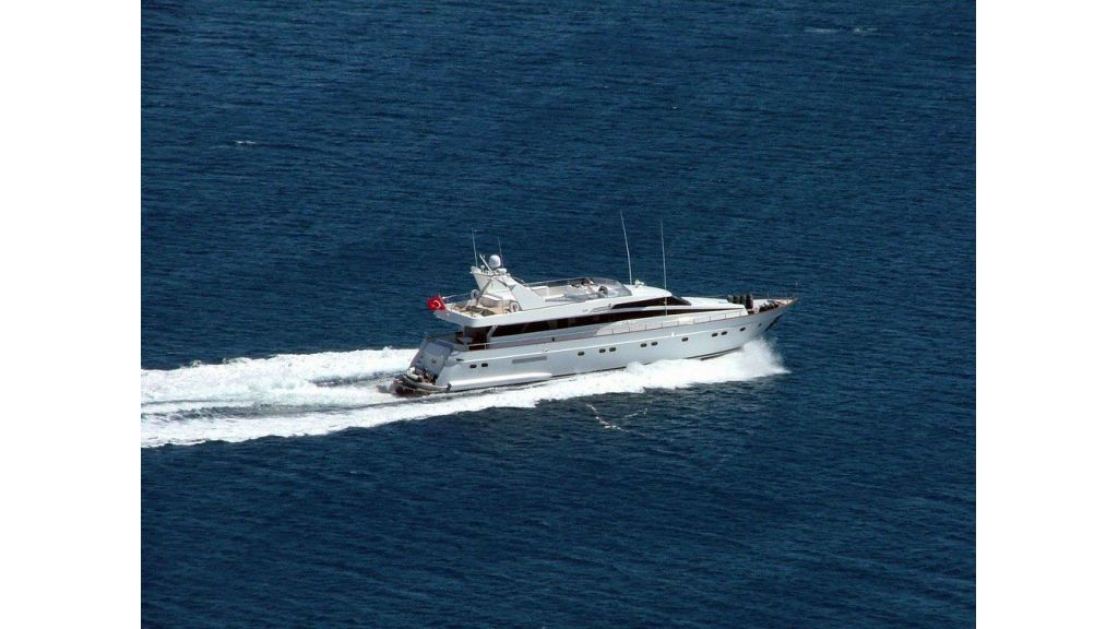 custom-built-motor-yacht (8)