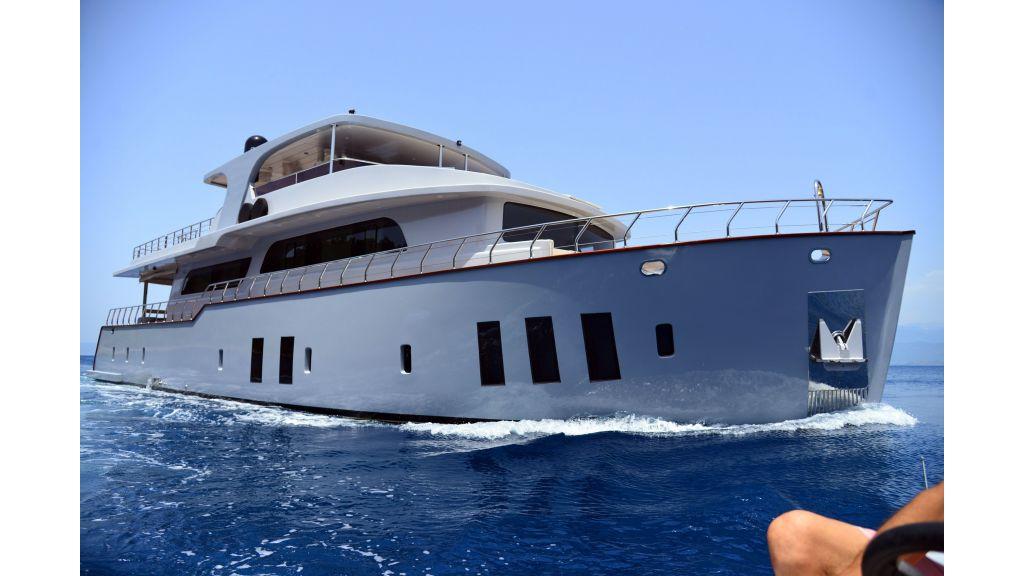 Custom Design Trawler 26 M For Sale (12)
