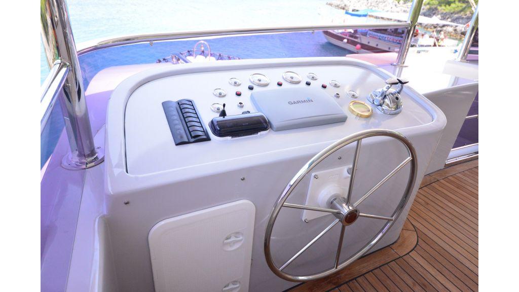 Custom Design Trawler 26 M For Sale (20)