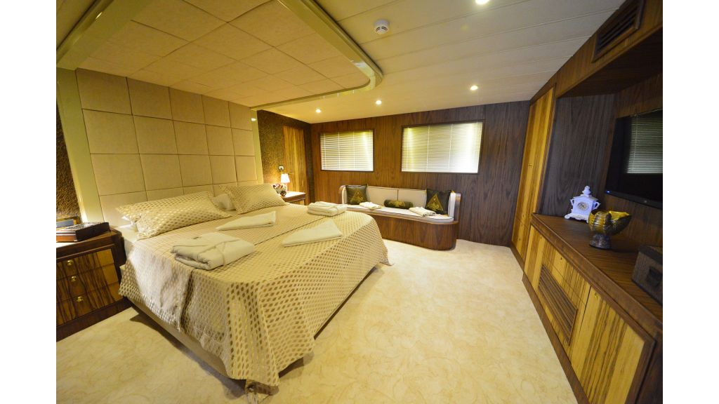 Custom Design Trawler 26 M For Sale (40)