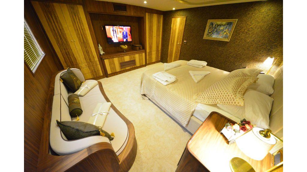 Custom Design Trawler 26 M For Sale (42)