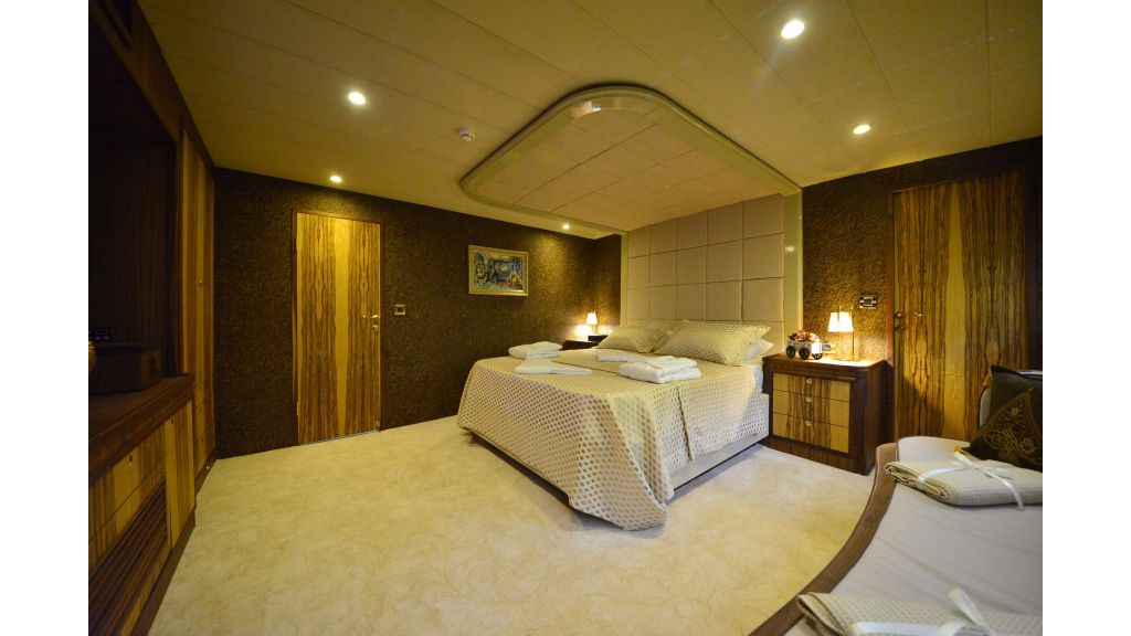 Custom Design Trawler 26 M For Sale (43)