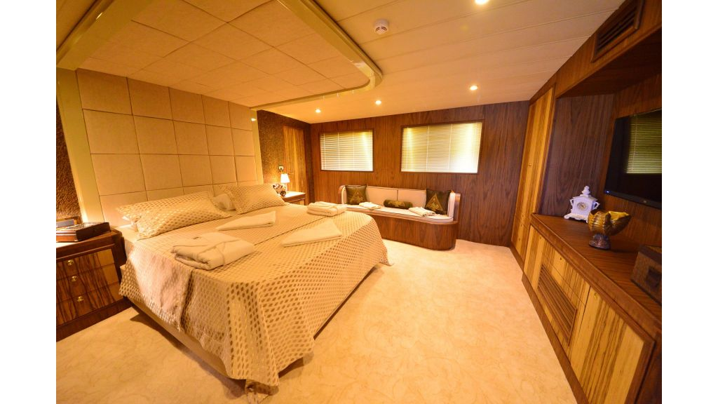 Custom Design Trawler 26 M For Sale (45)
