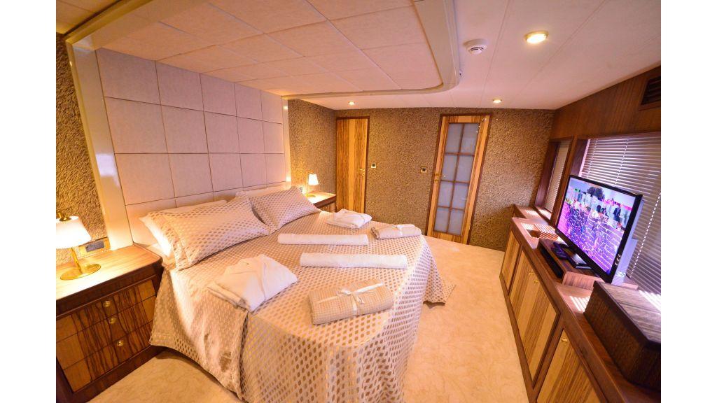 Custom Design Trawler 26 M For Sale (47)