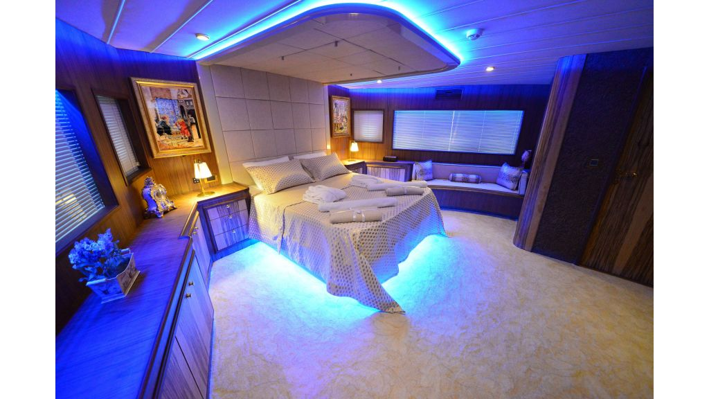 Custom Design Trawler-26 M For Sale-master