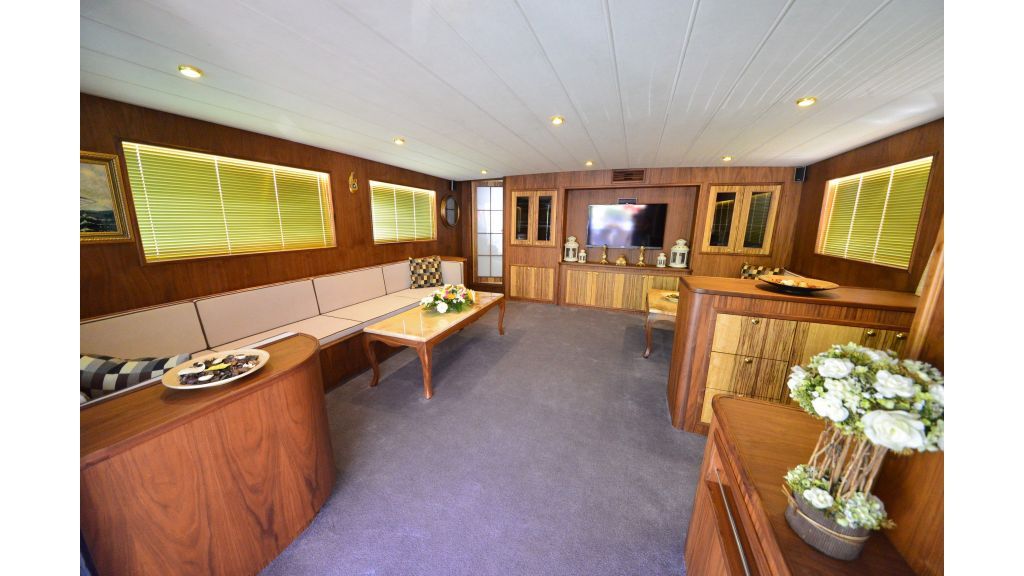 Custom-Design Trawler 26 M For Sale master