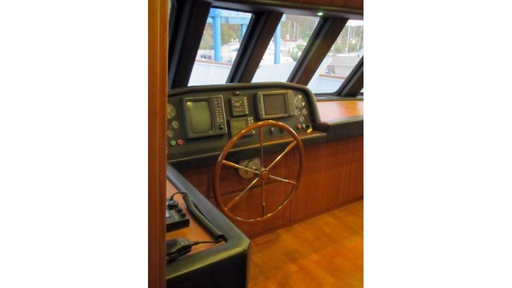Custom Steel Expedition Yachts (10)