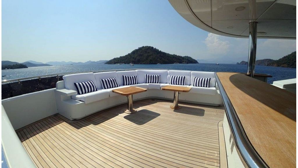 luxury-expedition-super-yacht (26)