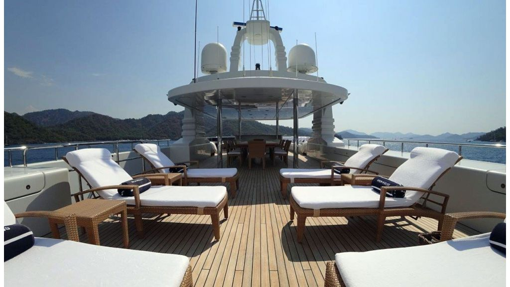 luxury-expedition-super-yacht (27)