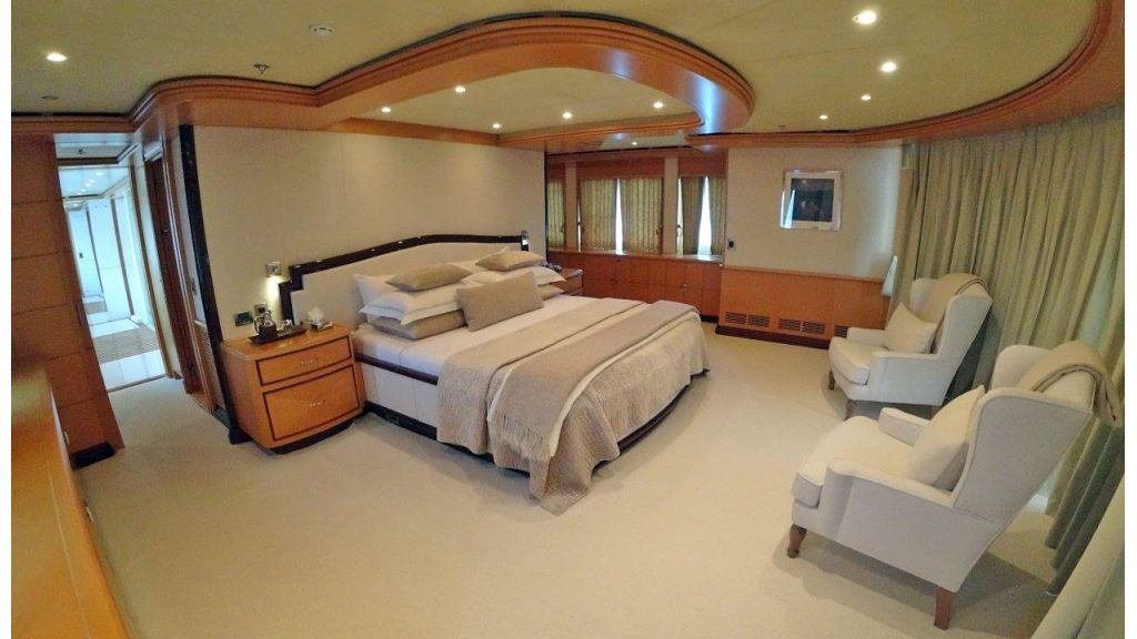 luxury-expedition-super-yacht (29)