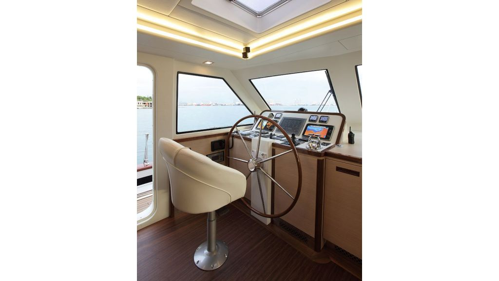 New Design Sailing Yacht (16)