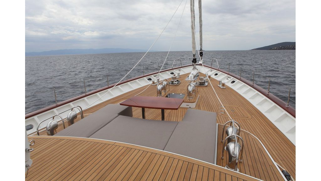New Design Sailing Yacht (17)