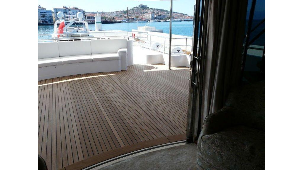 Ocean Explorer 33 m Motor Yacht (1)