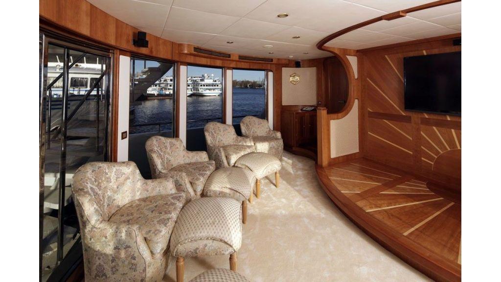 Ocean Explorer 33 m Motor Yacht (10)