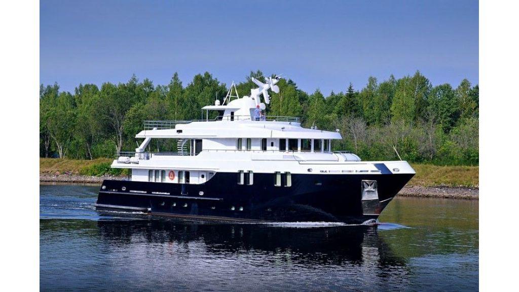 Ocean Explorer 33 m Motor Yacht (14)