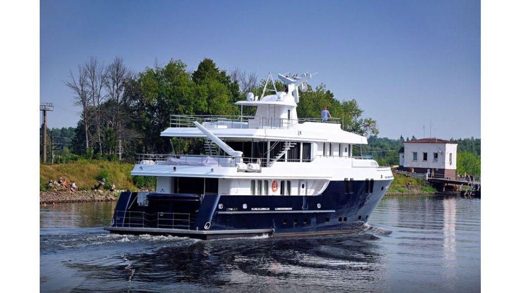 Ocean Explorer 33 m Motor Yacht (15)