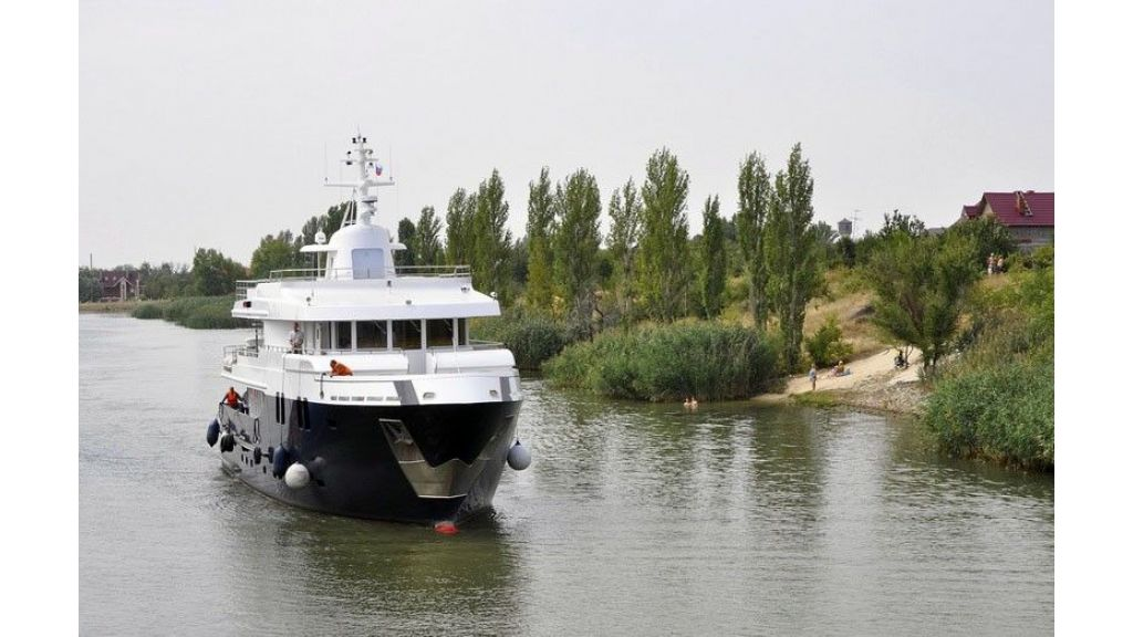 Ocean Explorer 33 m Motor Yacht (16)