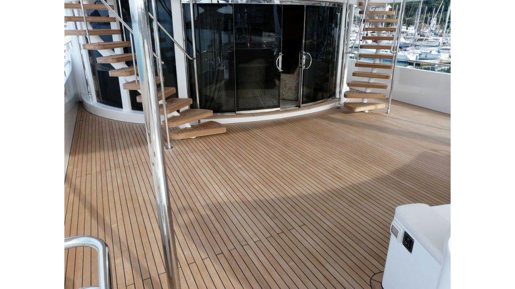 Ocean Explorer 33 m Motor Yacht (18)