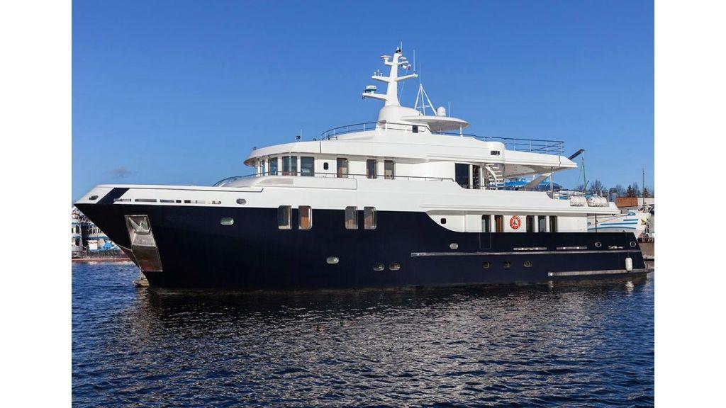Ocean Explorer 33 m Motor Yacht (6)