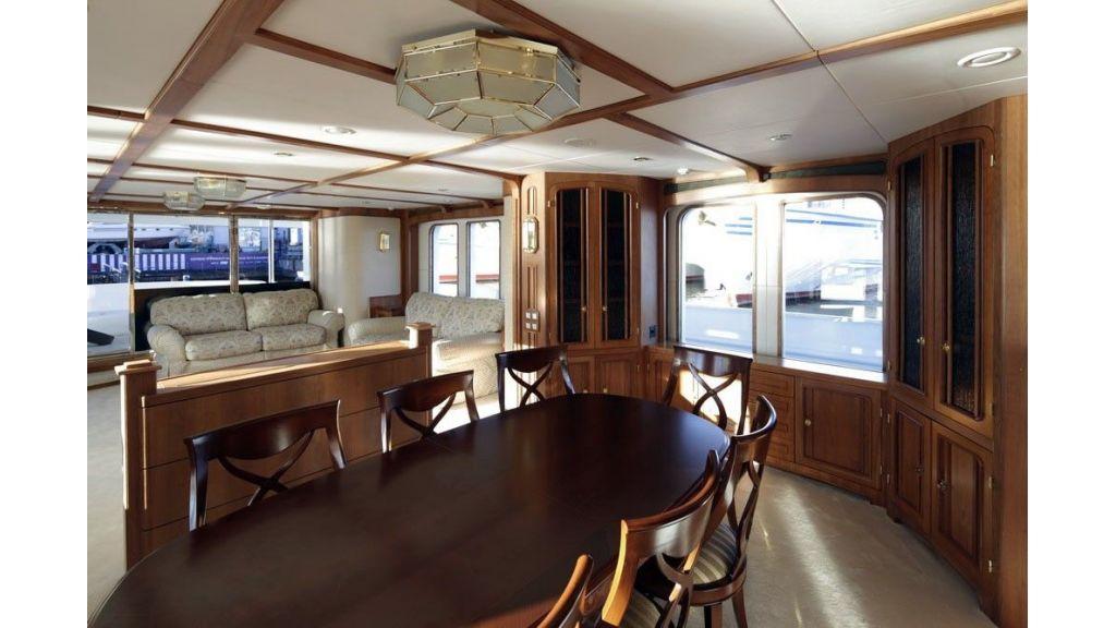 Ocean Explorer 33 m Motor Yacht-master