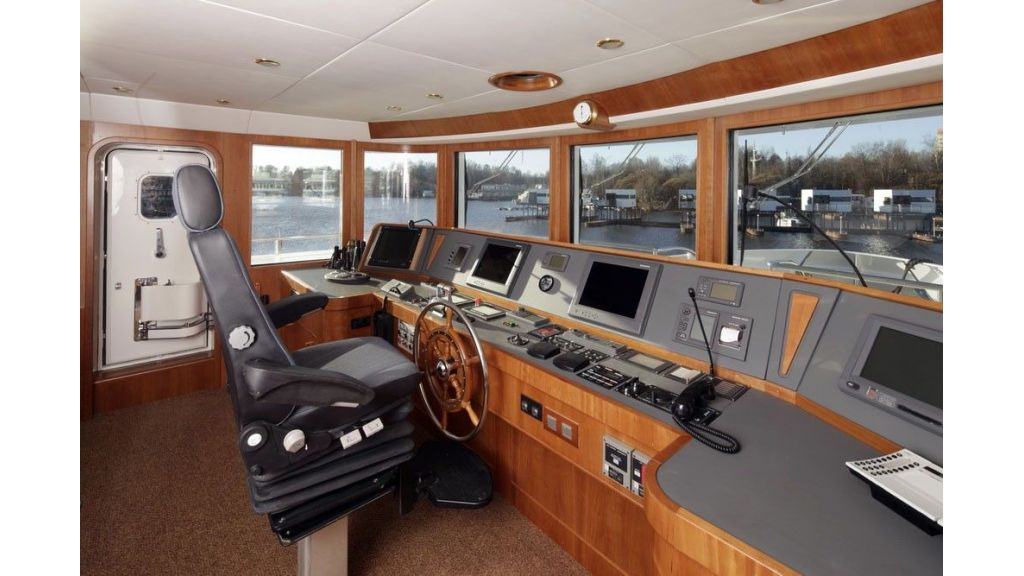 Ocean Explorer 33 m Motor-Yacht-master